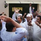 protesta moschea